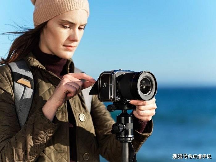 原创             哈苏推出「907X 50C」中画幅无反相机:造型别致,价格超4万