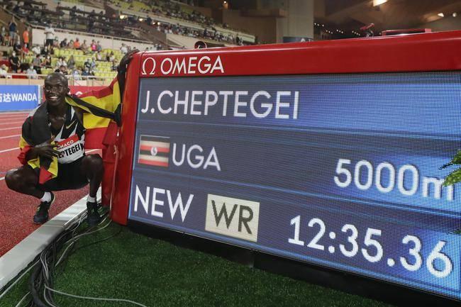 12分35秒36!切普特盖打破封尘16年的男子5000米世界