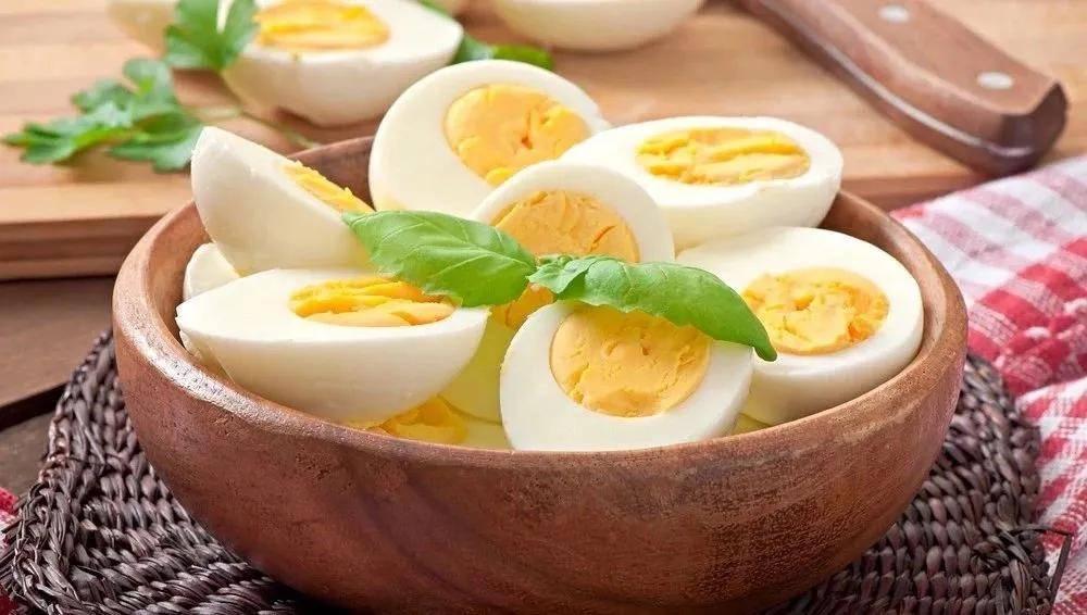 原创一天别吃太多鸡蛋?哪种人该多吃?关于鸡蛋的问题可能都在这里了