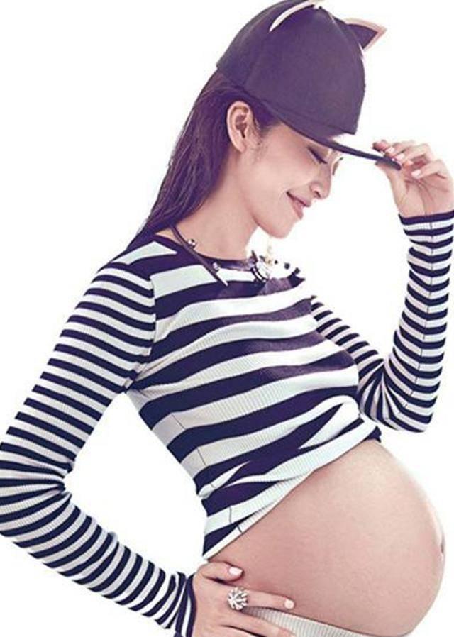 朱丹怀二胎近5个月,身材仍纤细,明星怀孕长胎不长肉的秘诀是啥
