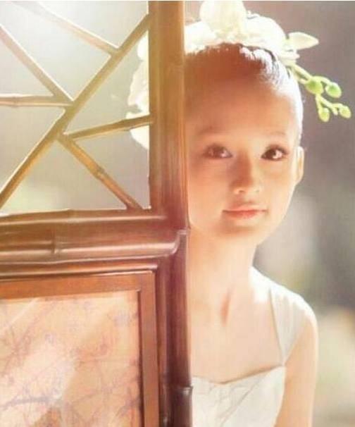 明星童年照:陈小纭和现在没差,于小彤可爱,海陆没有认出来