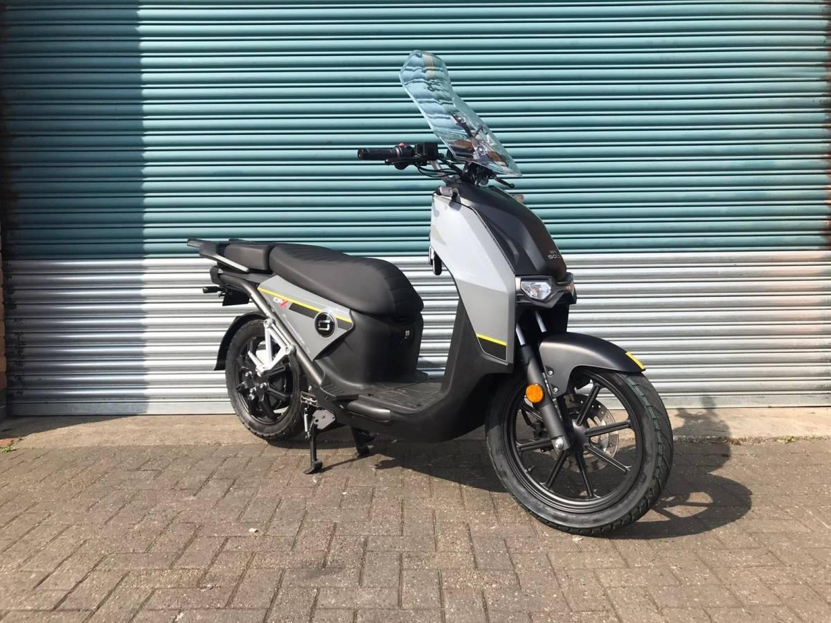 威尼斯app官方:媲美125踏板摩托的电摩 速珂CPX电动车实拍