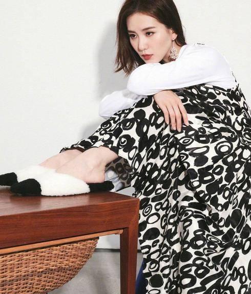 原创刘诗诗颜值身材都在线,衣品还这么好!三四十岁的女人都该学学
