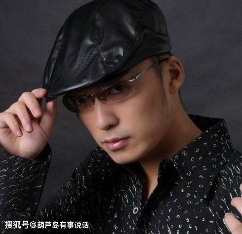 王小海出生于1980年6月22日的一个高知家庭