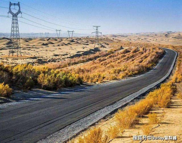 """原创             中国最牛沙漠公路,522公里穿越""""死亡之海"""",至今仍是世界之最"""