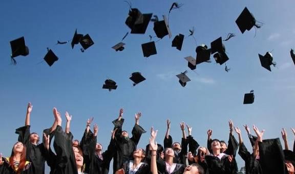 本科生毕业和研究生毕业之间的人为差距