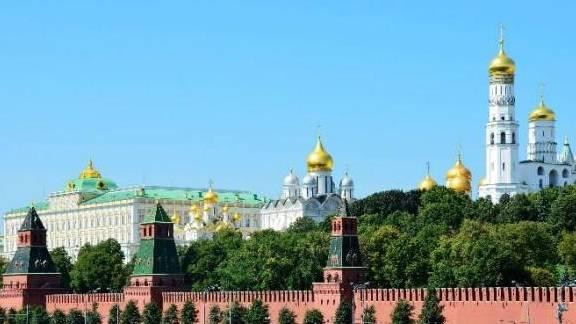 """俄罗斯""""性感名媛""""生活奢侈,热情开放示好游客,导游:尽量远离"""