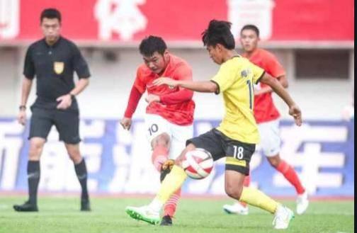 中国足球喜讯!恒大18岁天才小将即将加盟西班牙联赛,要和武磊上演中国德比