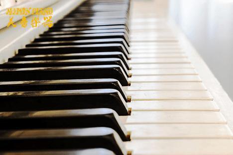如何判断苏州雅马哈二手钢琴是否是正品