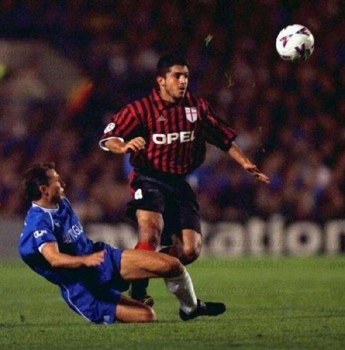 AC米兰队今天的历史:在1999年欧冠切尔西