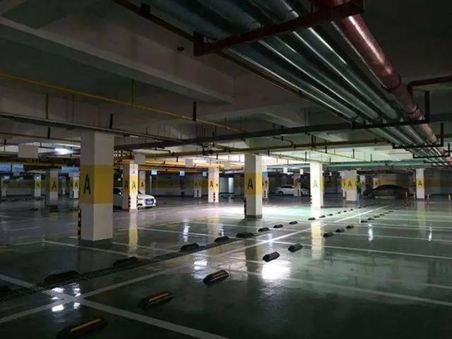 照明是许多城市商住区地下车库面临的问