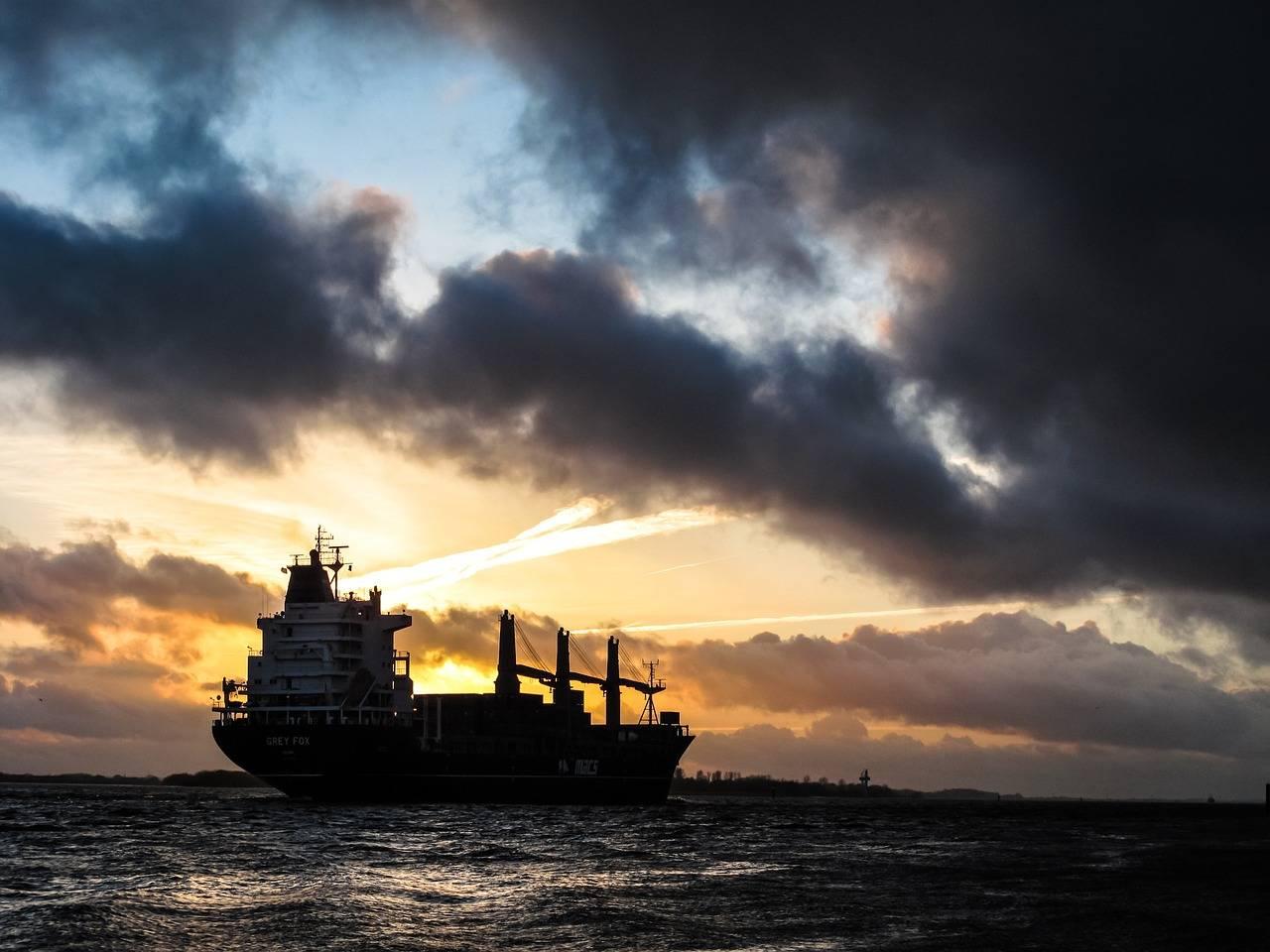 原创             国际油价再度大规模下行,负油价会卷土重来吗?加油会便宜吗?