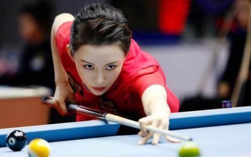 太漂亮了!中国最美台球女裁判,身材比潘晓婷还好