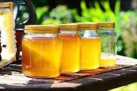 长期喝蜂蜜的人,会得糖尿病吗?怎么喝最健康?本文告诉你答案