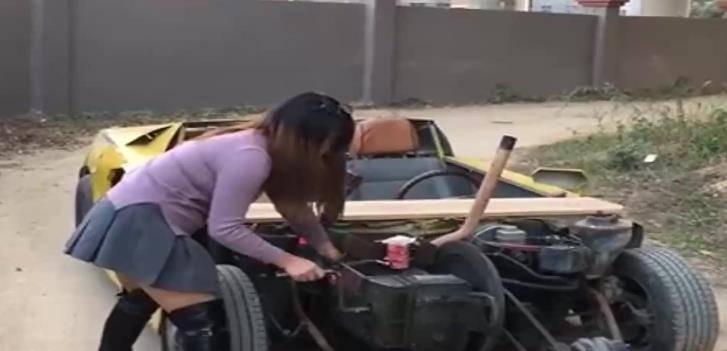 农村姑娘造单缸柴油大黄蜂跑车,车钥匙太炫酷,一般人不会开