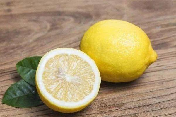 秋季注意饮食,推荐以下3种食物,排毒清脂,促进排便,美容减肥
