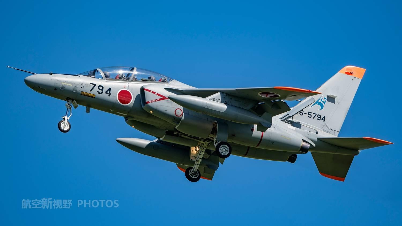 击败三菱和富士,川崎T-4一骑绝尘,自卫队现役最多的军用飞机