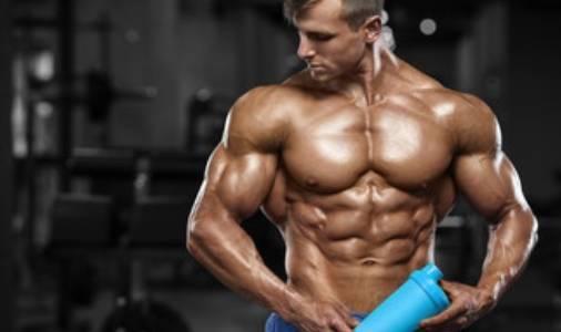 一家五口爱健身,小儿子肌肉清晰可见,父亲身材更是媲美健身教练