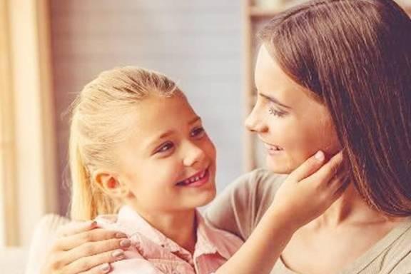 """家里有个女儿 """"第一次浪潮""""来了 我妈记得说这三句话 关系到她一生的健康"""