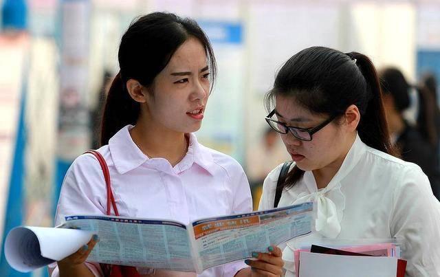 大一新生入学8天退学,决心明年要晒985通知书