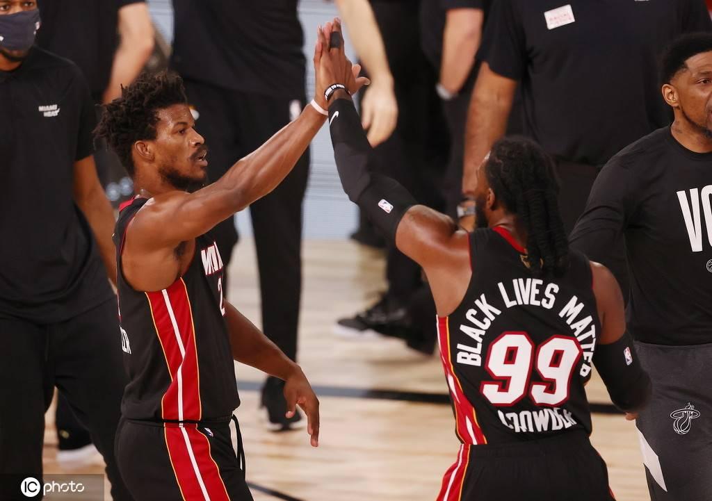 NBA总决赛第三场正在进行傍边,湖人大比分2-0领先热火