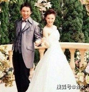 """43岁""""梦萍""""稀有晒两儿子帅照,嫁富豪老公,身体宛如彷佛20岁!(图8)"""