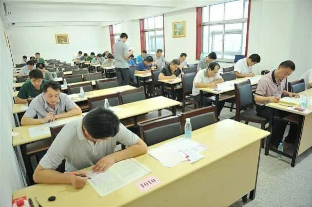 500彩票官方网站:大学做好这三件事比学习更有意义 毕业生比名校毕业生更受欢迎