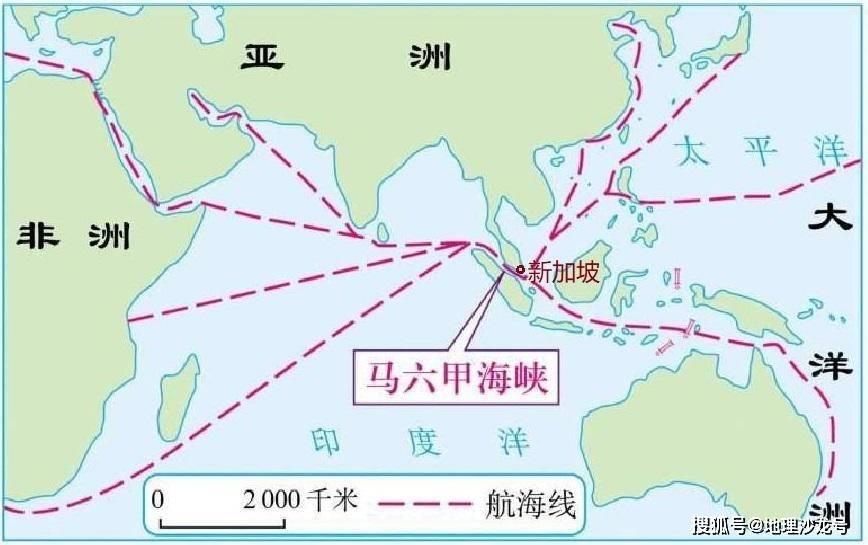 """虽然,新加坡的发展困难重重,但是新加坡也拥有一个得天独厚的条件,那就是""""扼守马六甲海峡"""".图片"""