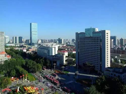 福建省厦门市的2020上半年GDP来看,更接近几线城市?