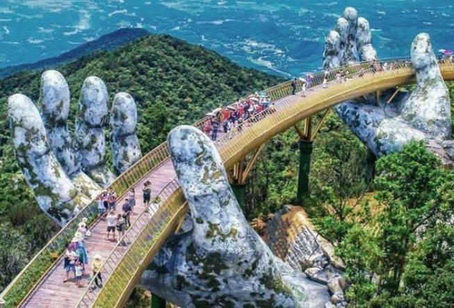 """越南最""""任性""""的景点,花130亿建佛手金桥,网友:只为拍照"""