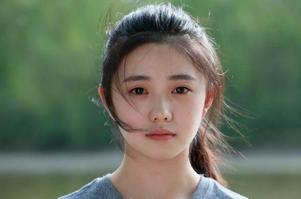刘浩存俨然已经是当今小小花的1号人物,谋女郎里能排第三