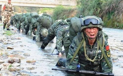 特种兵训练有多么艰苦?想当特种兵的一定了解下,看你能扛几天?
