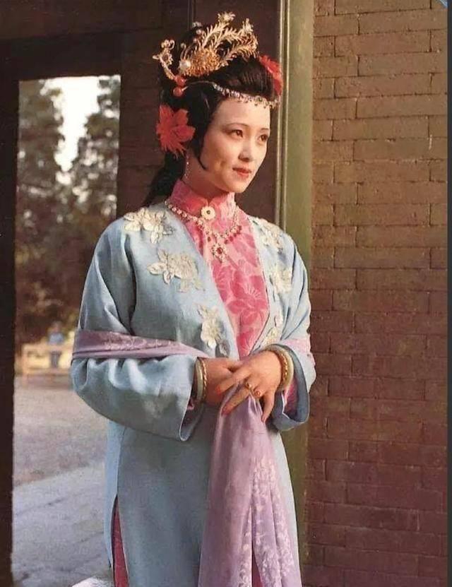 秦可卿与公公贾珍好了多年,为何不见怀孕?你看周瑞家的咋说的