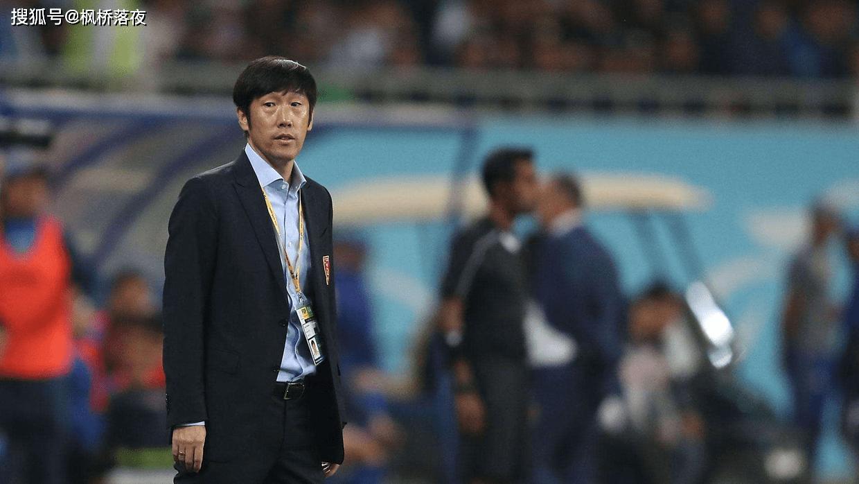中国足球还要靠土帅?54岁少帅搞定最难带球队,踢得恒大冒冷汗!