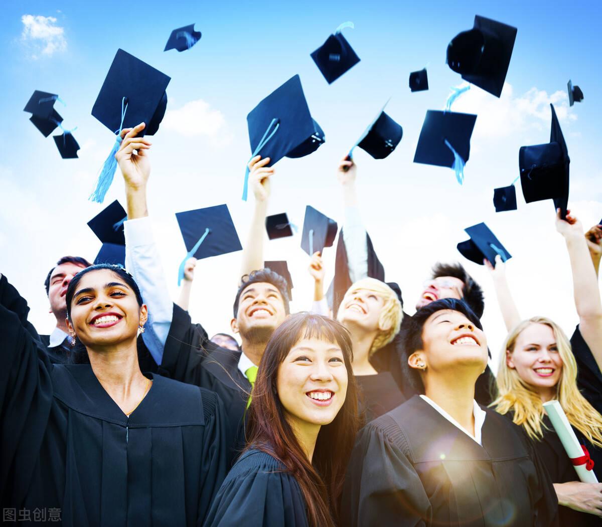 加拿大境外上网课的同学,能在毕业后取得加拿大毕业工签吗?