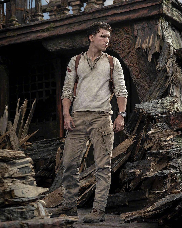 电影《神秘海域》公布新剧照 荷兰弟角色造型首度曝光