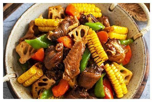 经典的家常菜做法,香喷喷的,好吃不腻,超级下饭哦!