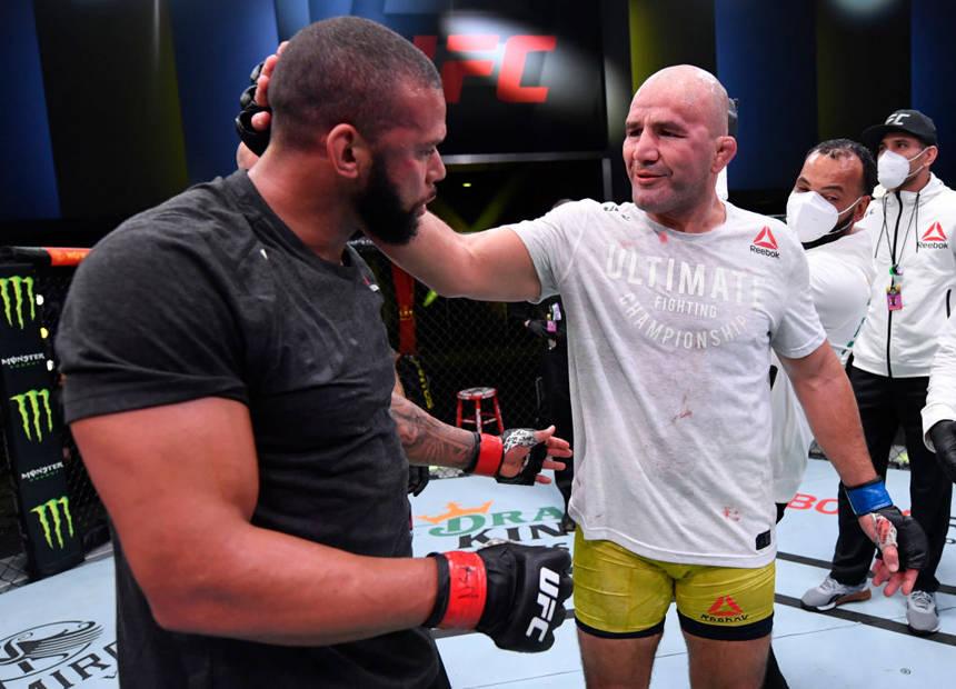 UFC格斗之夜182综述:特谢拉裸绞桑托斯或拿挑战权