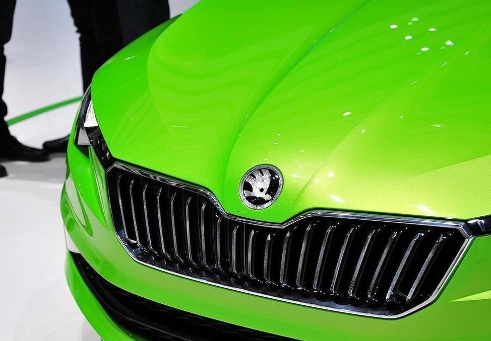 原来的大众终于火了!展示一款纯进口的coupe,比奥迪A5更帅气,内饰配水晶或者10W