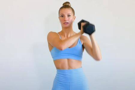一套上身训练,每天10分钟,帮助你锻炼背部,手臂,胸部和肩膀