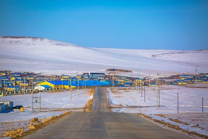 原创             内蒙古冬季一定要去的地方,这个民族因驯鹿闻名,仿佛童话世界