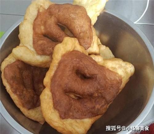 它是北方人的标配早餐,又香又甜,酥脆无比,连食2个还不够