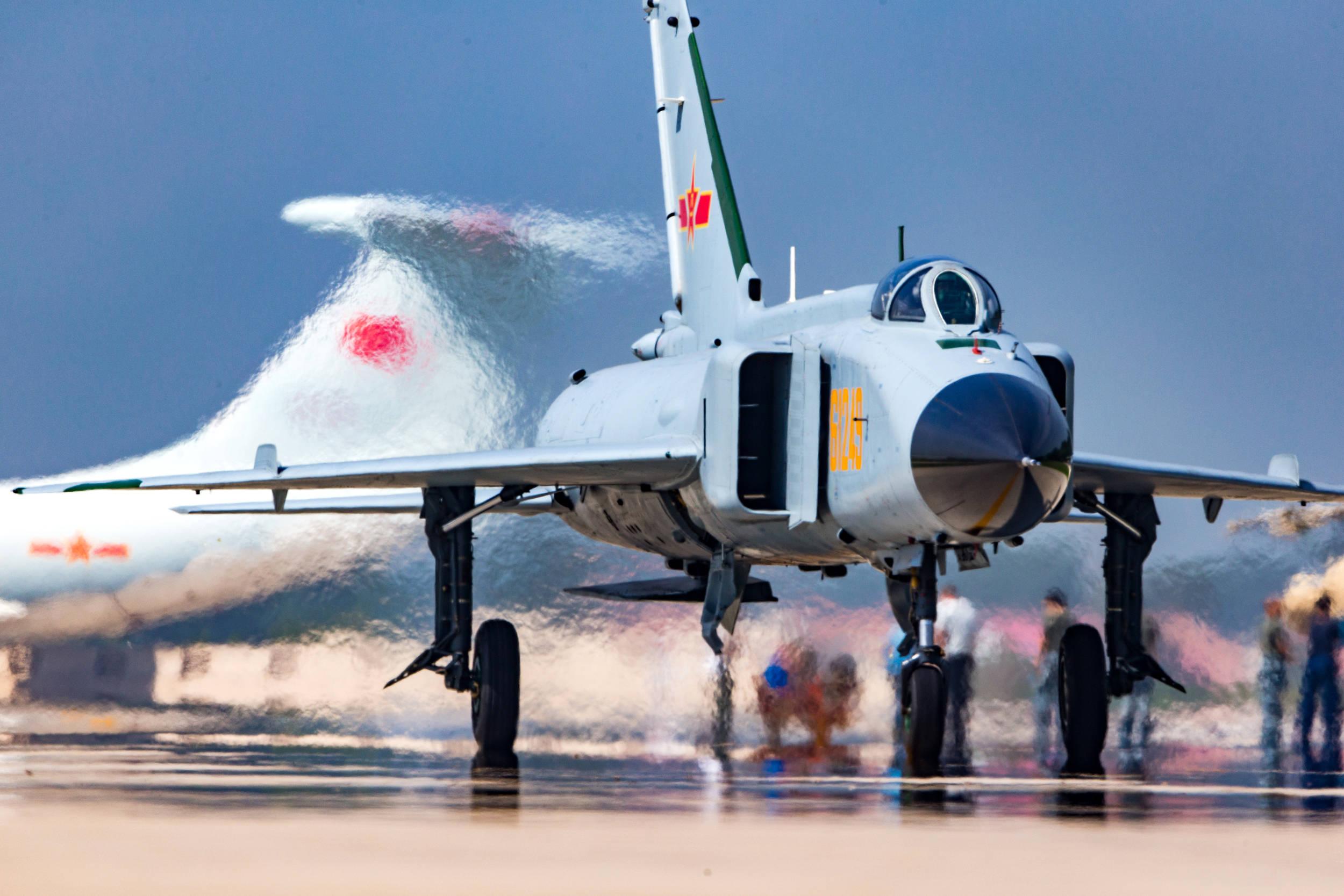 军迷眼中可单挑F22的歼8战机,如今进航博养老,功勋不可磨灭
