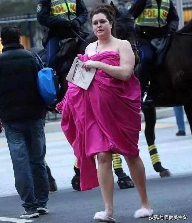 她被亿万富豪抛弃,又被渣男骗,爆肥140斤后狂减100斤,太飒了!