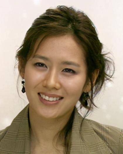 女友番号库她于1997年没演电望剧《芳华期》表的父配角插图(1)