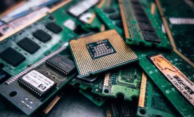 """中国芯片界""""黑马""""出现,为国产GPU增添助力,与华为强势互补"""
