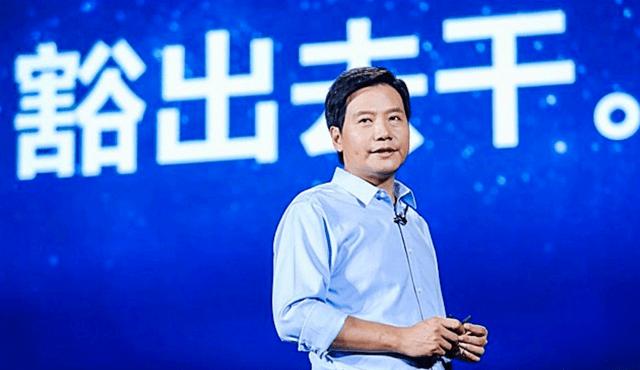 """雷军真成华为""""接盘侠""""?欧洲5G市场炸锅:为何又是中国企业?"""