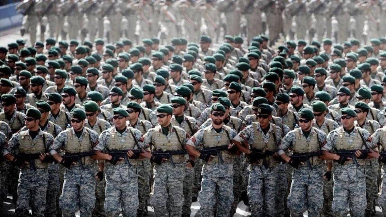 伊朗数十万大军进入戒备,誓言为英雄报仇,美军核航母紧急掉头