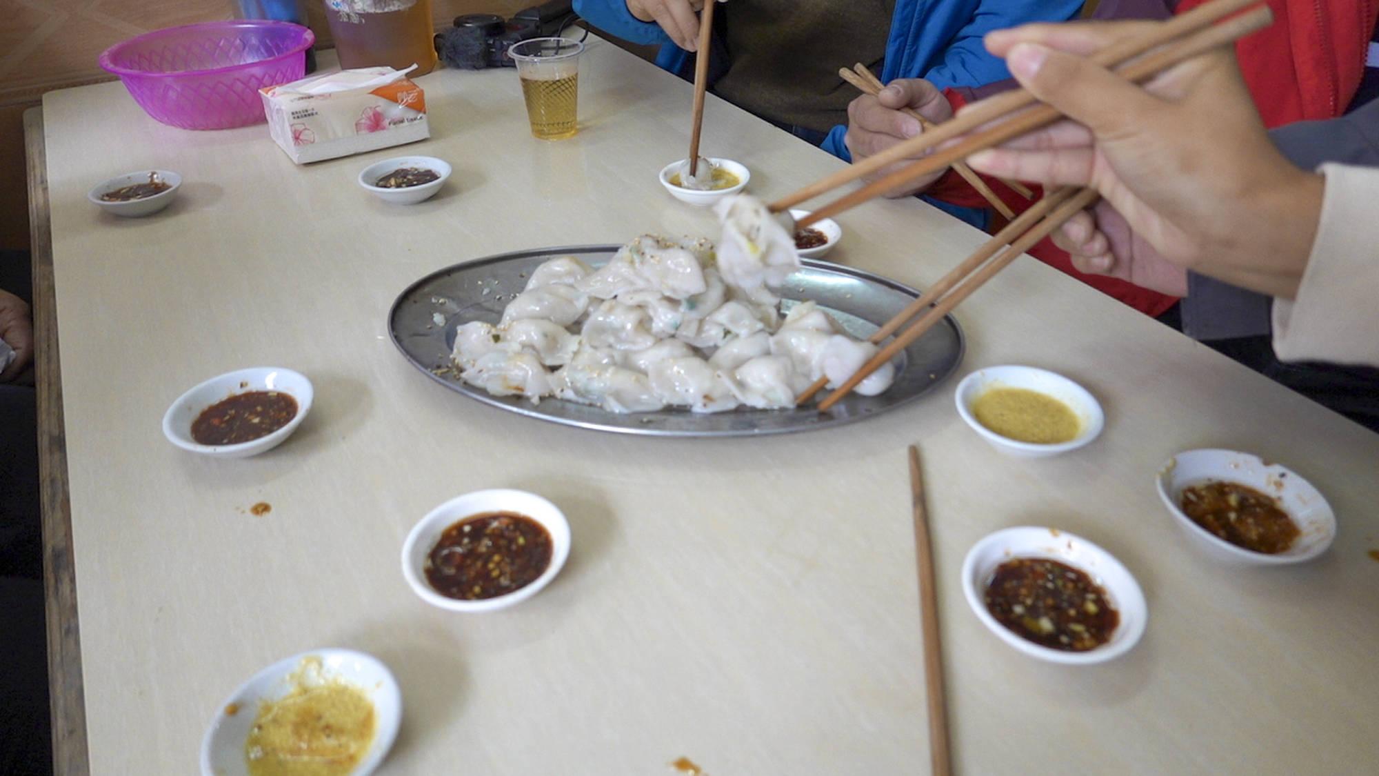 """广东人真会吃,水角不是水饺,居然能吃出""""接吻""""的感觉,味道绝了!"""