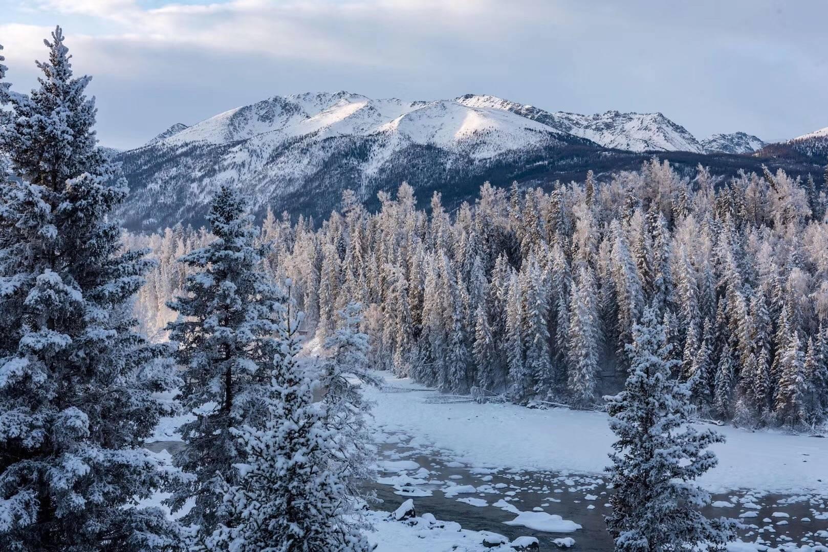 冬游北疆冰火8日之旅 喀纳斯 禾木 魔鬼城 独山子大峡谷